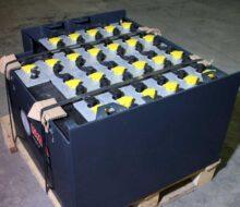 Как правильно подобрать тяговые аккумуляторы для складской техники?