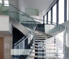 Про винтовые стеклянные лестницы